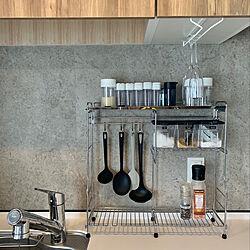 キッチンカウンター/キッチン収納/調味料ラック/コンロ横ラック/コンクリート風壁紙...などのインテリア実例 - 2020-05-25 14:00:34