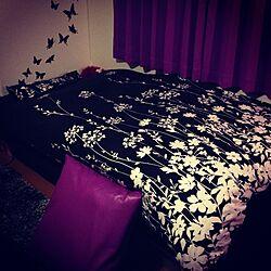 ベッド周り/フラワーモチーフ/蝶 /黒と紫/ベッドカバーのインテリア実例 - 2013-02-19 22:19:55