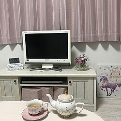 テレビボード/お花のある暮らし/ピンク×ホワイト/ピンク好き/1K 1人暮らし...などのインテリア実例 - 2020-10-13 16:57:35