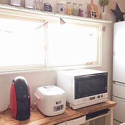 キッチンの窓際ディスプレイ/机の下はゴミ箱収納/机DIY/Nescafé Barista/IRIS OHYAMA IH炊飯器...などのインテリア実例 - 2019-03-30 16:42:02
