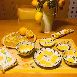 カリモクダイニングテーブルセット/黄色/イエロー/レモン柄/レモンのお皿...などのインテリア実例 - 2019-08-06 16:44:36