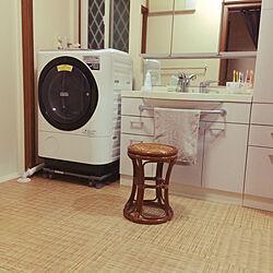 バス/トイレ/温泉の脱衣所の椅子/籐の椅子/ドラム式洗濯機/洗濯機まわり...などのインテリア実例 - 2018-10-05 18:55:56