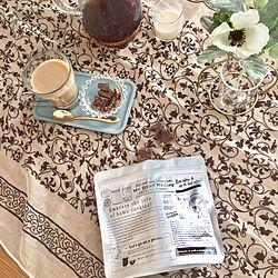机/チョコレートじゃないよ〜/ダイソーの黒砂糖/アルミジップバッグ/ダイソーのジップバッグ...などのインテリア実例 - 2018-12-10 22:57:30