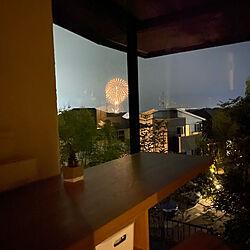 外と中の繋がり/カーテンの無い暮らし/夜の風景/キッチンのインテリア実例 - 2021-07-31 22:38:00