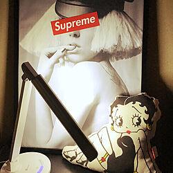 ベッド周り/TRONICS/Supreme/ヒカキンさん/ベティーちゃん...などのインテリア実例 - 2017-09-29 00:26:49