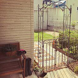 玄関/入り口/ベンチ/アーチゲート/ガーデニング/まだ途中…...などのインテリア実例 - 2017-07-19 09:15:10