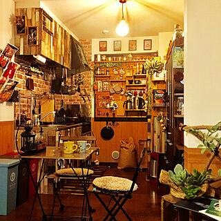 男性43歳の同棲2LDK、セリア diyKitchenやキッチンウォールラック DIYやカフェ風インテリアやセリアなどに関するTsuyoshiさんの実例写真
