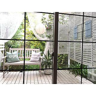 女性家族暮らし4LDK、ニトリ すのこベッドBedroomやウッドデッキや庭を眺める家やNO GREEN NO LIFEなどに関するcherryさんの実例写真