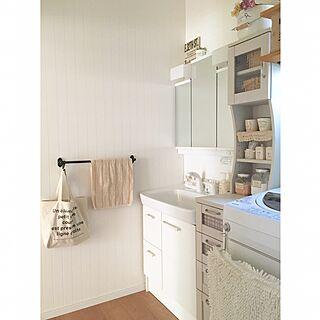 女性40歳の家族暮らし3LDK、ニトリ トートバッグBathroomやタオル掛けや洗面所やIKEAなどに関するmakochi.mさんの実例写真
