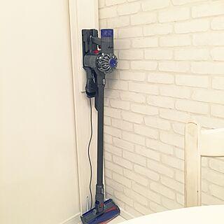 部屋全体/ダイソン/ダイソンの充電スタンド/DIY/カフェ風...などのインテリア実例 - 2016-04-14 09:45:42