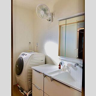 男性36歳の家族暮らし4LDK、白のチカラに関するTOMOさんの実例写真