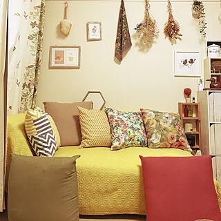 女性家族暮らし3K、カラフルな壁に関するkurokoさんの実例写真