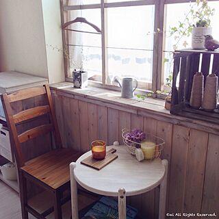 女性家族暮らし、手作り板壁 和室を洋室にリメイクに関するai.さんの実例写真