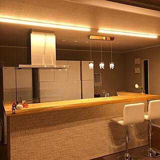 キッチン/アイランドキッチン/エコカラットの壁/エコカラット タイル/無垢 カウンター...などのインテリア実例 - 2017-11-10 18:18:19