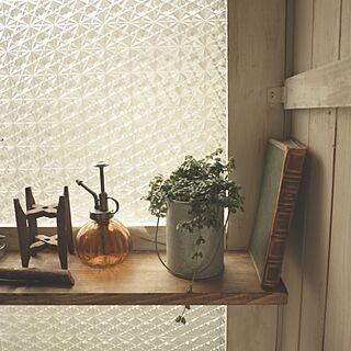リビング/DIY窓枠/DIY板壁/古いモノ/洋書...などのインテリア実例 - 2014-02-14 09:02:16