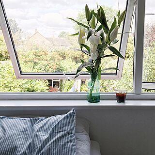 ベッド周り/窓辺の風景/花のある暮らし/イギリス/ベッドリネン...などのインテリア実例 - 2016-07-29 05:26:03