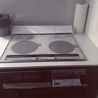 女性の、、の「キッチン」についてのインテリア実例