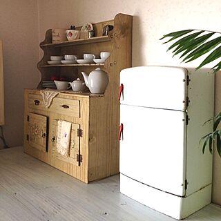 リビング/IKEA/ブリキのおもちゃ/アンティーク/IKEAおもちゃのインテリア実例 - 2013-04-01 15:42:57