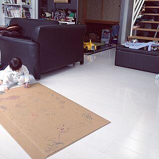リビング/お絵描き/ダンボール/鉛筆削りオブジェの会/左利き♡のインテリア実例 - 2015-02-12 10:51:28
