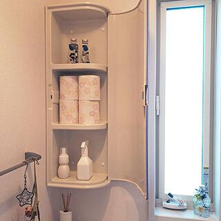 女性36歳の家族暮らし4LDK、トイレ 収納に関するm.coccoさんの実例写真