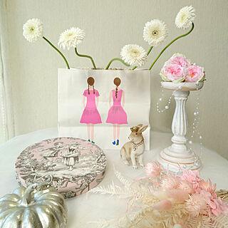 机/花のある暮らし/花のある風景/飾って楽しむ/キャンドルスタンド...などのインテリア実例 - 2020-09-04 12:57:27