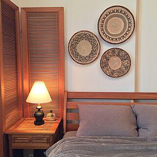 男性の、2LDK、一人暮らしの「ベッド周り」についてのインテリア実例