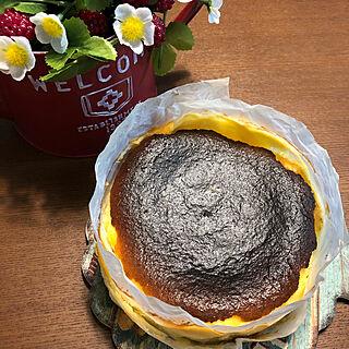 お菓子作り/バスクチーズケーキ/いいね、ありがとうございます♡/新築一戸建て/かわいいもの♡...などのインテリア実例 - 2020-04-05 21:13:22