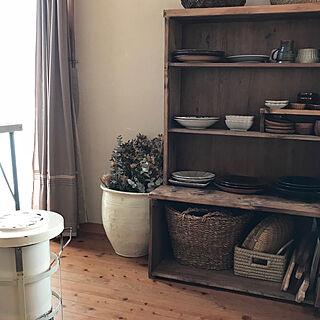 女性家族暮らし4LDK、食器棚DIYに関するjiso_hanさんの実例写真