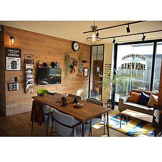女性35歳の家族暮らし3LDK、床はカッティングシートに関するmayukamuさんの実例写真