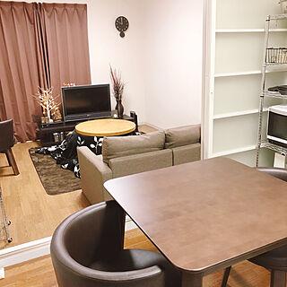 家族暮らし2DK、狭いリビングを快適にに関するnecomaru.comさんの実例写真