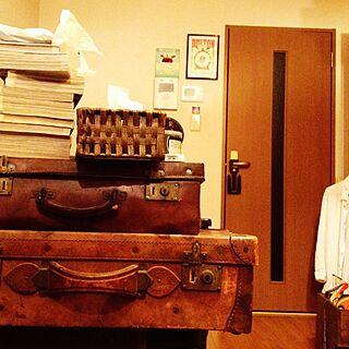 男性29歳の家族暮らし2LDK、アンティーク スーツケースに関するrrikiyさんの実例写真