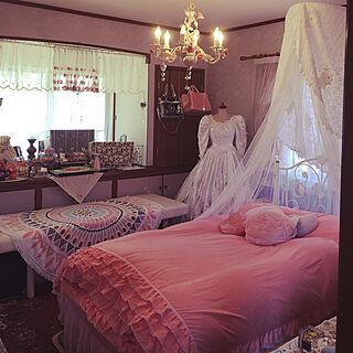 部屋全体/ウェディングドレス/薔薇シャンデリア/くつろぎ空間/お姫様ベッドカバー...などのインテリア実例 - 2018-03-12 11:43:45