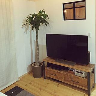男性33歳の家族暮らし4LDK、造作TV台に関するyoshiBooさんの実例写真