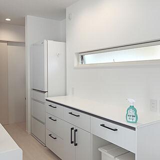 女性30歳の家族暮らし3LDK、キッチン背面に関するuiiiiさんの実例写真