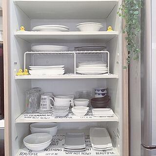 女性30歳の家族暮らし1LDK、食器棚シートに関する17さんの実例写真