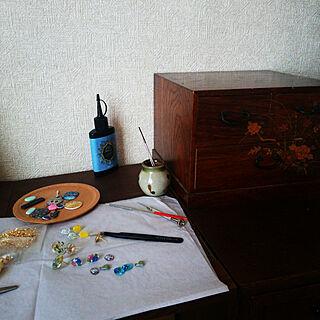 女性の、2DK、家族住まいの「机」についてのインテリア実例