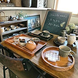 女性の、3DK、家族住まいの「机」についてのインテリア実例
