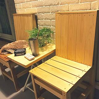 女性家族暮らし、サイドテーブル 旦那さんスペース♡に関するplusfavoriさんの実例写真