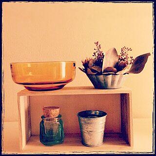 女性家族暮らし1LDK、アンバーの食器に関するa_chamyさんの実例写真