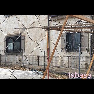 玄関/入り口/建売り一戸建て/風通しや日差しを考え後付けフェンスはなし/この面は狭いのでフェンスやらず既存のまま/フェンスリメイク...などのインテリア実例 - 2019-02-10 13:39:22