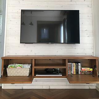 女性31歳の家族暮らし、作り付けのテレビボードに関するkomaさんの実例写真