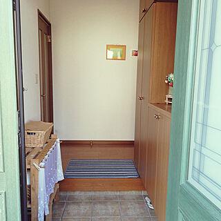 女性家族暮らし4LDK、かご収納 棚DIYに関するkeirocoさんの実例写真