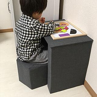 リビング/磁石おもちゃ/折り紙/牛乳パックの机/牛乳パック椅子...などのインテリア実例 - 2018-05-30 02:35:52