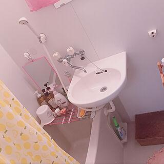 女性29歳の一人暮らし1K、つっぱり棒に関するRurikoさんの実例写真