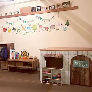 部屋全体/おもちゃ箱/おもちゃ収納/ガーランド/子供部屋/カラーボックス...などのインテリア実例 - 2017-10-18 08:42:36