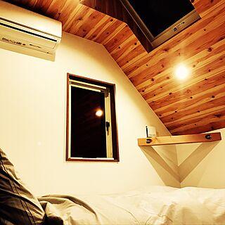 ベッド周り/ベッドカバー/ベッド/木のぬくもり/エアコン隠したい...などのインテリア実例 - 2016-11-06 19:30:49