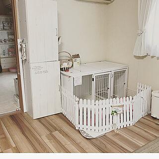 女性の、4K、家族住まいの「ベッド周り」についてのインテリア実例