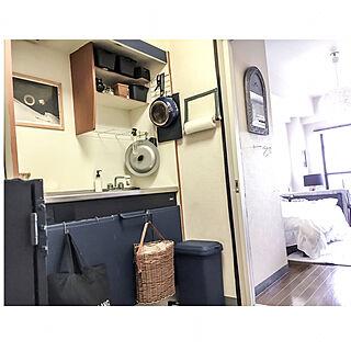 キッチン/原状回復/キッチンDIY/ネイビー/リメイクシートにペンキ塗り...などのインテリア実例 - 2017-10-05 18:39:30