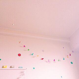女性の、1R、の「壁/天井」についてのインテリア実例