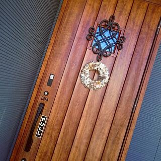 女性36歳の家族暮らし4LDK、LIXIL玄関ドアに関するnyankoさんの実例写真